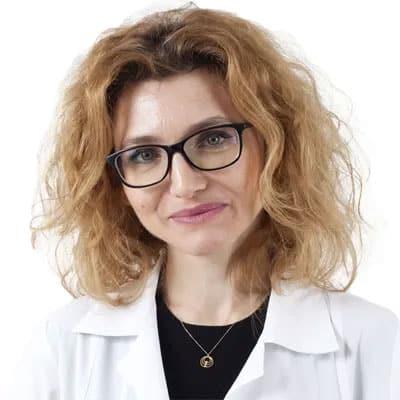 Dr-Gabriela-Macota-Jumuga